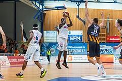 Basketball, ABL 2016/17, Grunddurchgang 2.Runde, Oberwart Gunners, Klosterneuburg Dukes, Cedric Kuakumensah (5) Jozo Rados (11)
