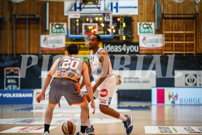 Basketball, bet-at-home Basketball Superliga 2020/21, Grunddurchgang 8. Runde, Oberwart Gunners, Klosterneuburg Dukes, Laurence Alexander (4)
