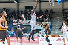 Basketball, ABL 2016/17, Grunddurchgang 2.Runde, Oberwart Gunners, Klosterneuburg Dukes, Cedric Kuakumensah (5), Maurice Barrow (6)